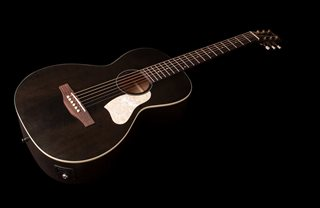 Art & Lutherie - Roadhouse Faded Black