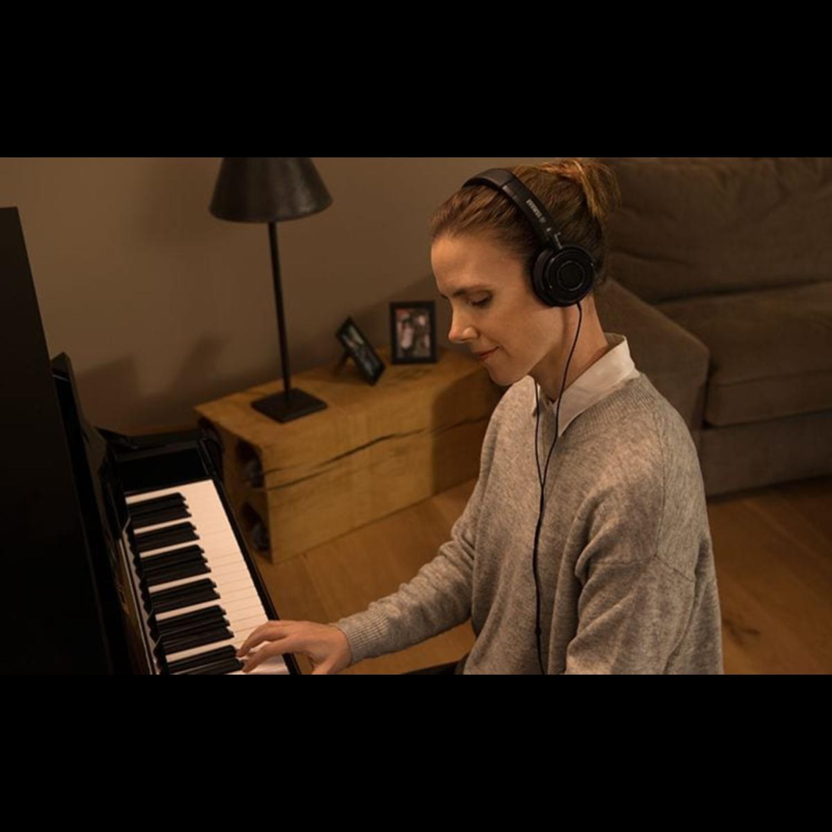 Yamaha - GC1SHTA2 - TransAcoustic Grand Piano-headphone